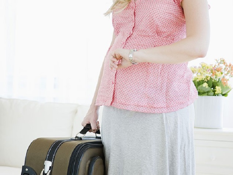 Pregnant & Traveling? Safe Travel Tips During Pregnancy
