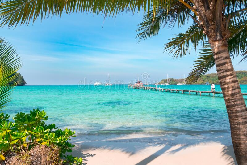 Bali: An Island of Emerald Green Forest and Clear Blue Waters
